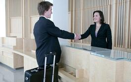 Curso en línea (Online) en Recepción de Hotel + Inglés profesional para el Turismo