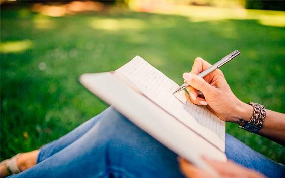 Doble Máster online en Administración de Empresas y Escritura Creativa